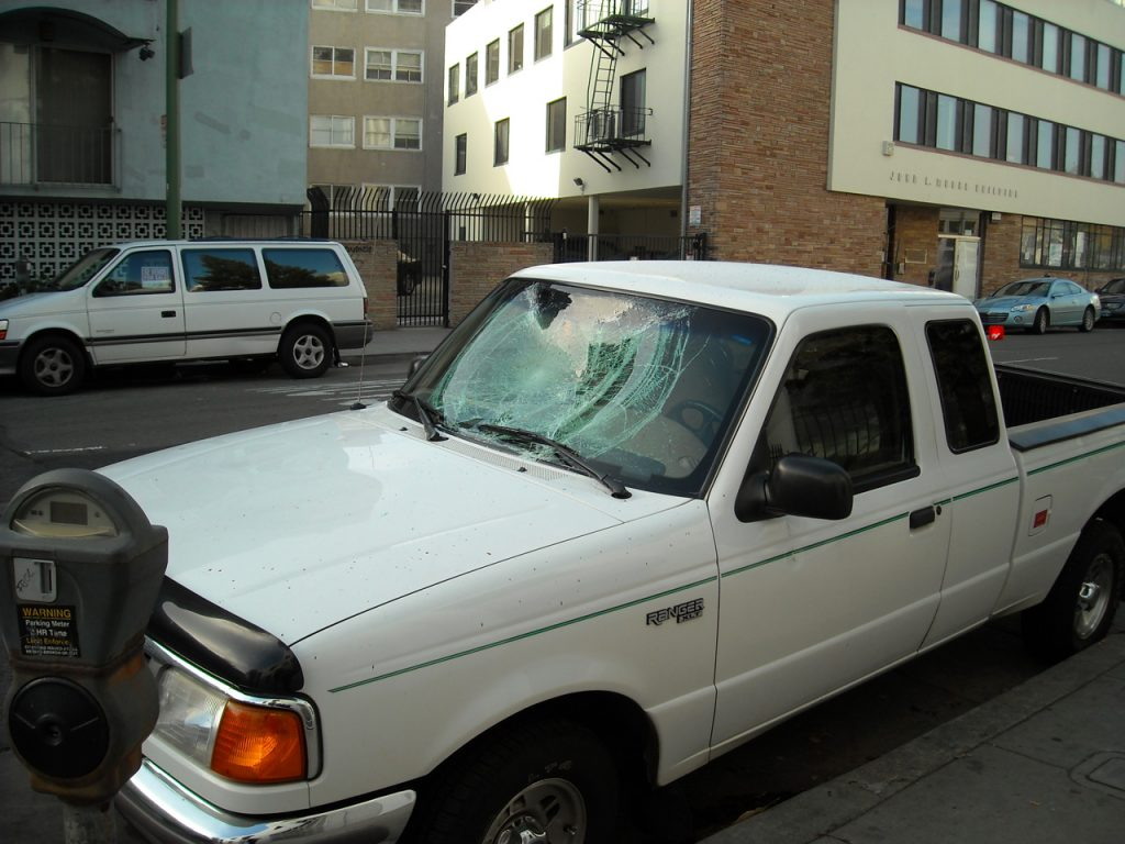 Ways To Minimize Windshield Replacement Costs