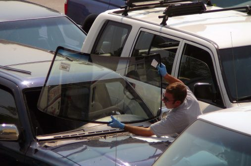 San-Diego-CA-Auto-Glass-Repair-Benefits-of-Hiring-Auto-Glass-Repair-Professionals